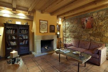 Fotos posada real casa turismo rural soria la vieja chimenea spa - Casa rural con chimenea en la habitacion ...
